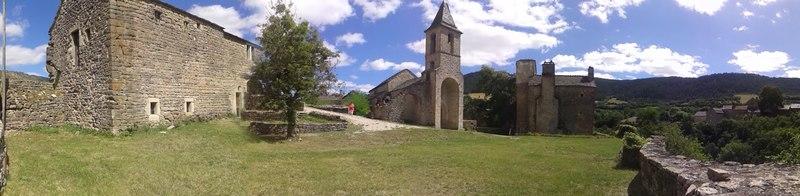 Photo du Monument Historique Ensemble fortifié du Villard situé à Chanac