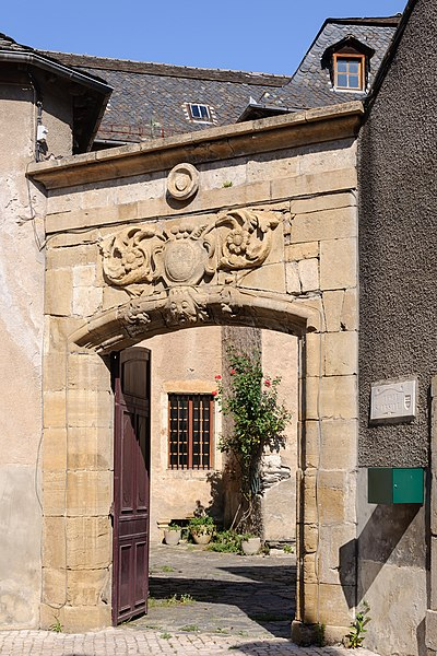 Photo du Monument Historique Monastère des Ursulines situé à Ispagnac