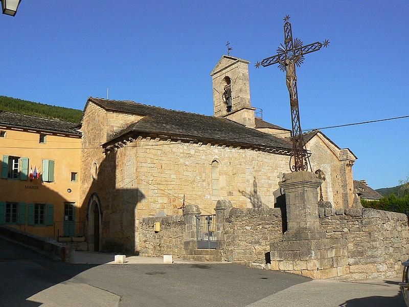 Photo du Monument Historique Eglise Saint-Pierre situé à Lanuéjols