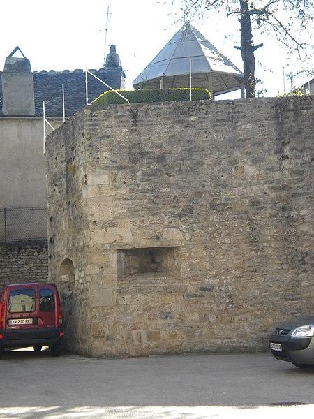 Photo du Monument Historique Anciens remparts situé à Mende