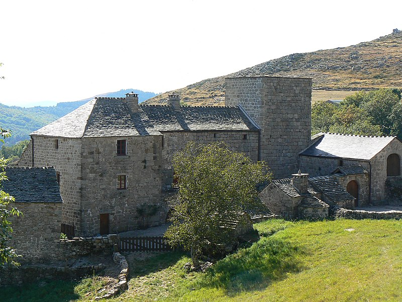 Photo du Monument Historique Château de Grisac situé à Le Pont-de-Montvert