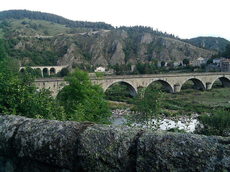 Photo du Monument Historique Viaduc de Chapeauroux situé à Saint-Bonnet-de-Montauroux