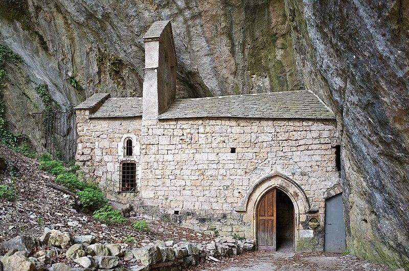 Photo du Monument Historique Chapelle Notre-Dame-de-Cénaret de Saint-Chély-du-Tarn situé à Sainte-Enimie