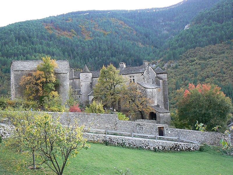 Photo du Monument Historique Château de Prades situé à Sainte-Enimie