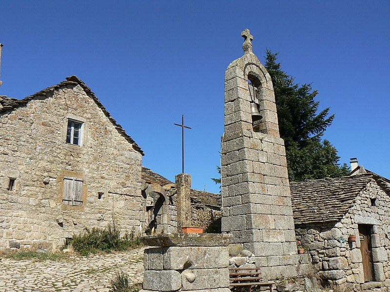 Photo du Monument Historique Ensemble patrimonial situé à Saint-Etienne-du-Valdonnez