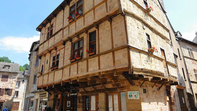 Photo du Monument Historique Maisons à pans de bois situé à La Canourgue