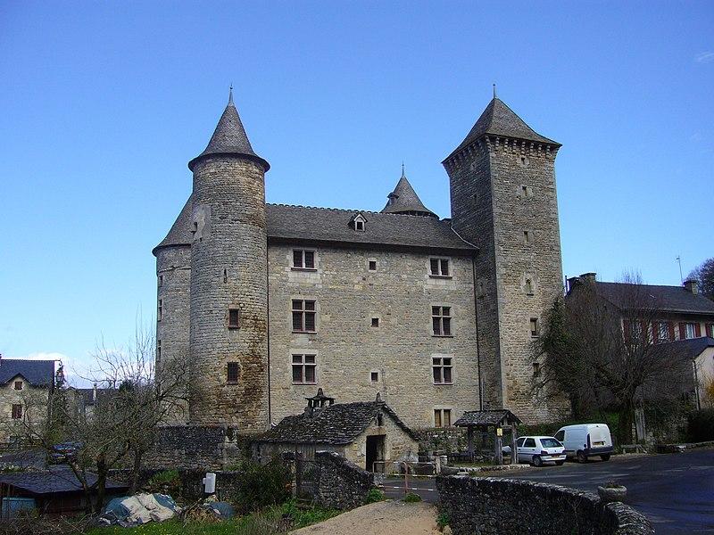 Photo du Monument Historique Château situé à Saint-Saturnin