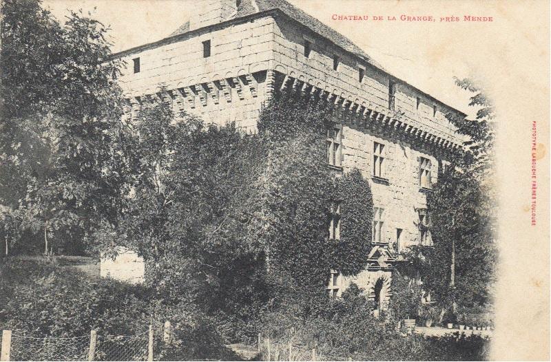 Photo du Monument Historique Domaine de la Grange situé à Servières