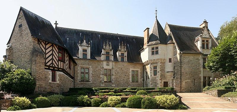 Photo du Monument Historique Hôtel des Pénitents situé à Angers