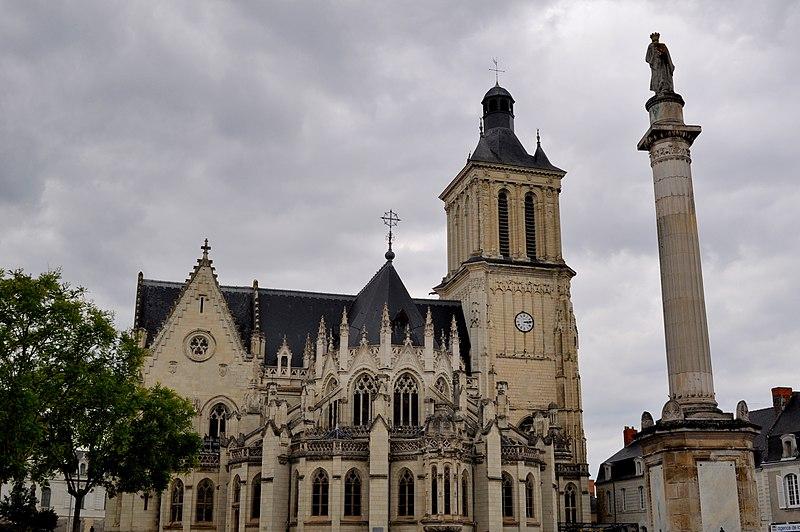 Photo du Monument Historique Eglise Notre-Dame situé à Beaufort-en-Vallée
