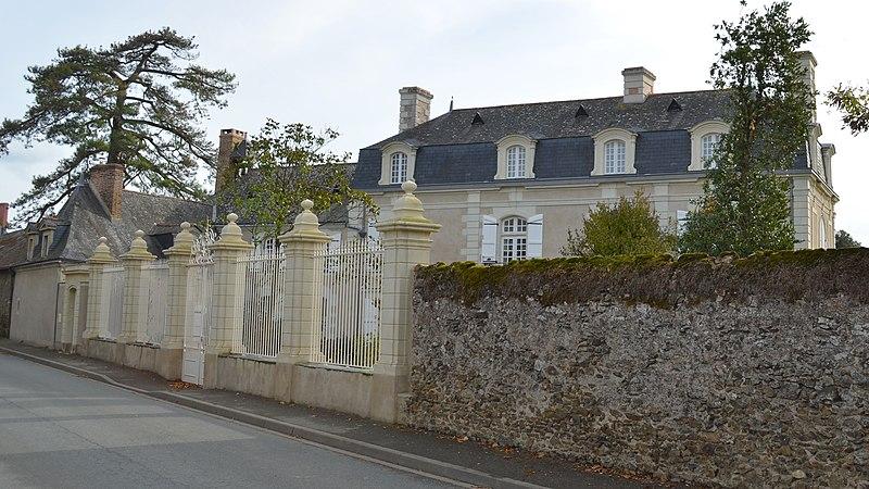 Photo du Monument Historique Logis de la Pinsonnière situé à Beaulieu-sur-Layon