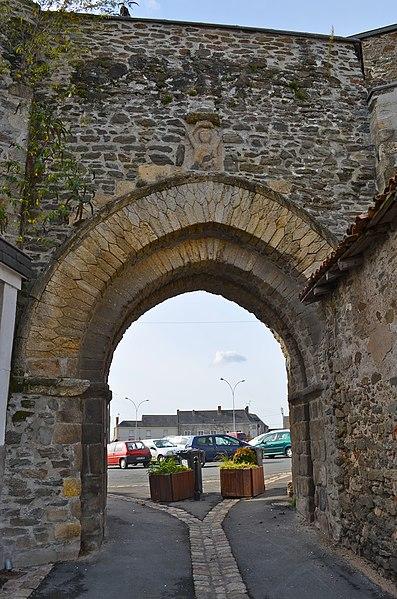 Photo du Monument Historique Château situé à Chemillé