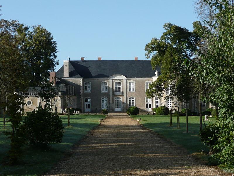 Photo du Monument Historique Château de la Roche-Jacquelin situé à Daumeray