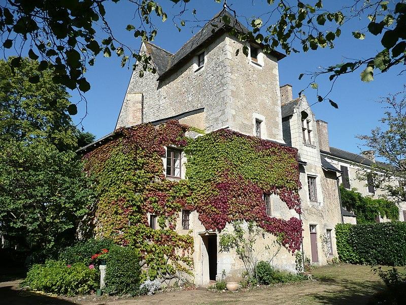 Photo du Monument Historique Château-Bosset ou château Bocé situé à Durtal
