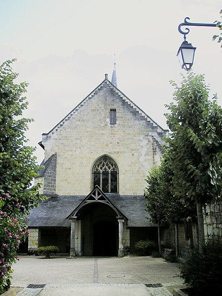 Photo du Monument Historique Eglise Saint-Michel situé à Fontevraud-l'Abbaye