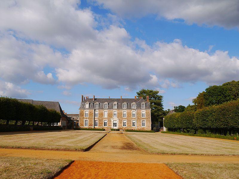 Photo du Monument Historique Château de la Faucille situé à L'Hôtellerie-de-Flée
