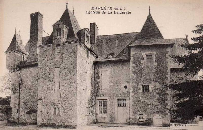 Photo du Monument Historique Manoir de la Brideraie situé à Marcé