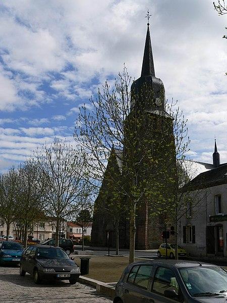 Photo du Monument Historique Eglise situé à Le May-sur-Evre