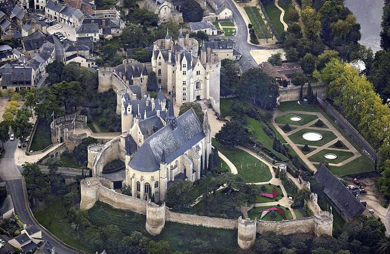 Photo du Monument Historique Eglise paroissiale (ancienne chapelle du château) situé à Montreuil-Bellay