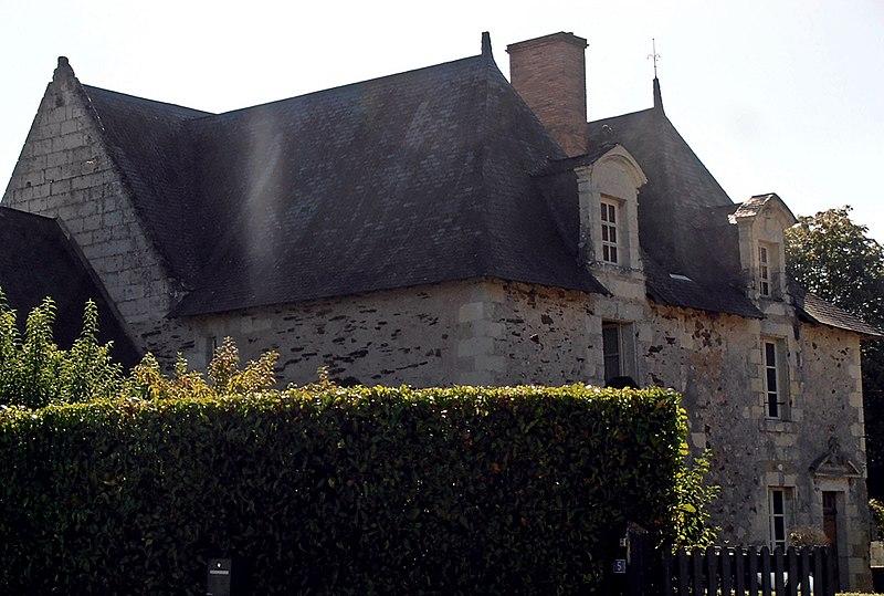 Photo du Monument Historique Manoir de la Fosse situé à Saint-Saturnin-sur-Loire