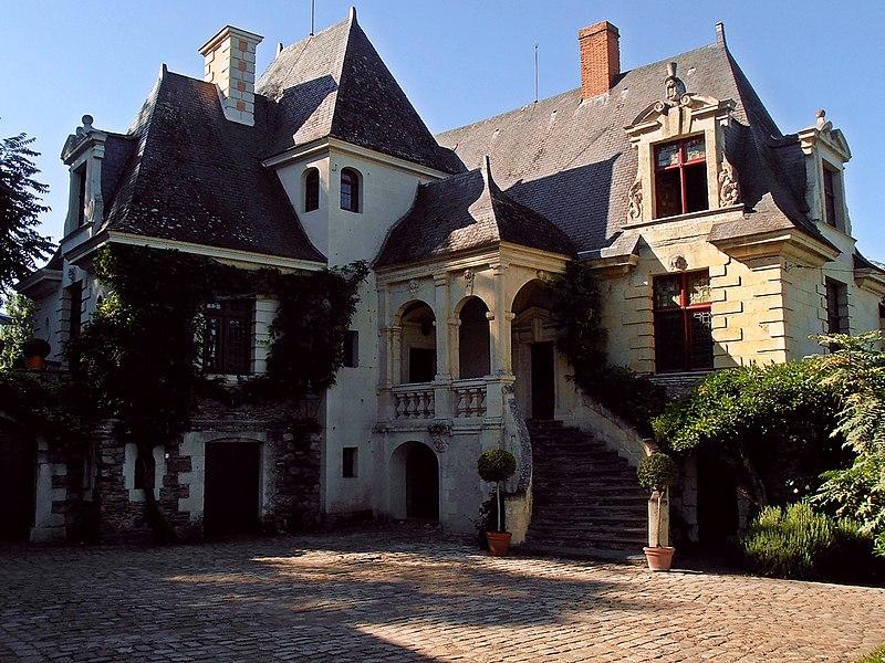 Photo du Monument Historique Manoir de la Groye situé à Saint-Saturnin-sur-Loire