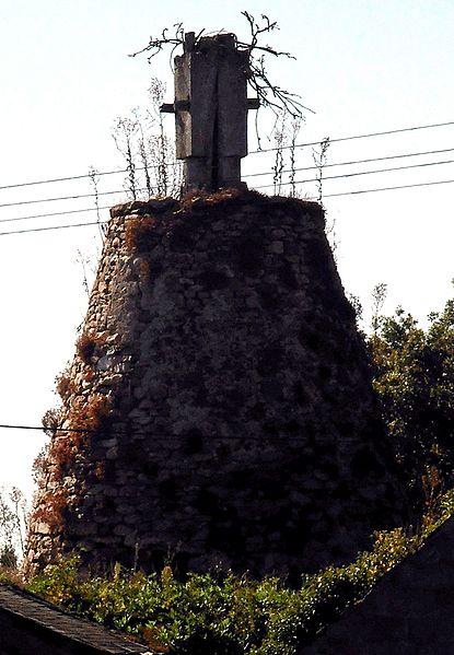 Photo du Monument Historique Moulin à vent dit Le Grand Moulin situé à Saint-Saturnin-sur-Loire