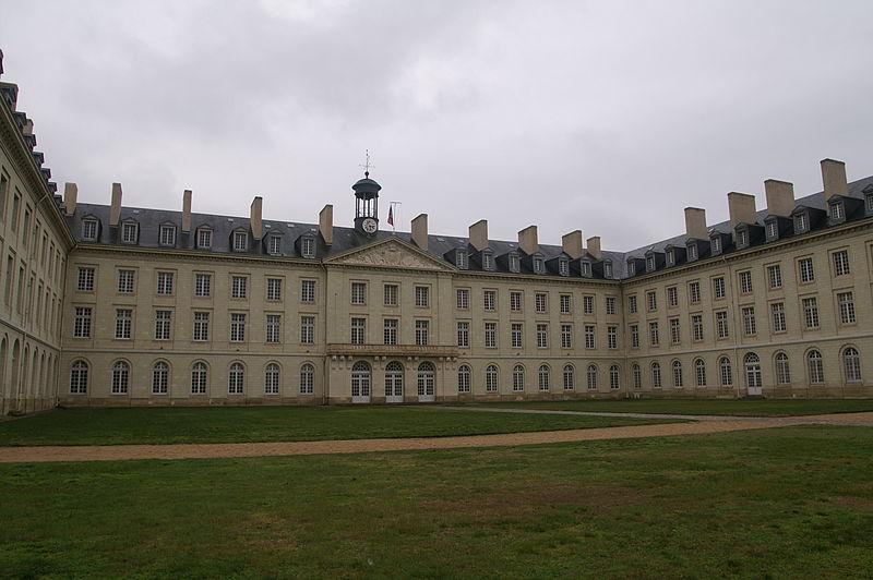 Photo du Monument Historique Ecole de Cavalerie de Saumur, quartier Chardonnet situé à Saumur