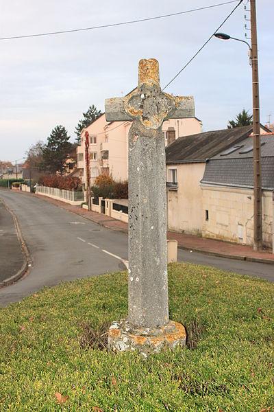 Photo du Monument Historique Croix dite Croix Bourdon situé à Saumur