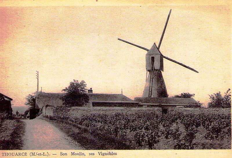 Photo du Monument Historique Moulin de la Montagne situé à Thouarcé