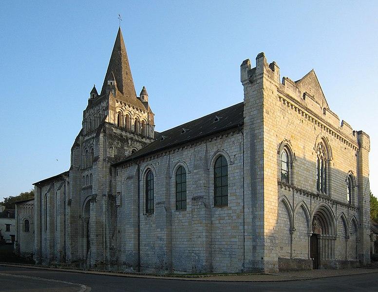 Photo du Monument Historique Eglise Notre-Dame de Cunault situé à Chênehutte-Trèves-Cunault