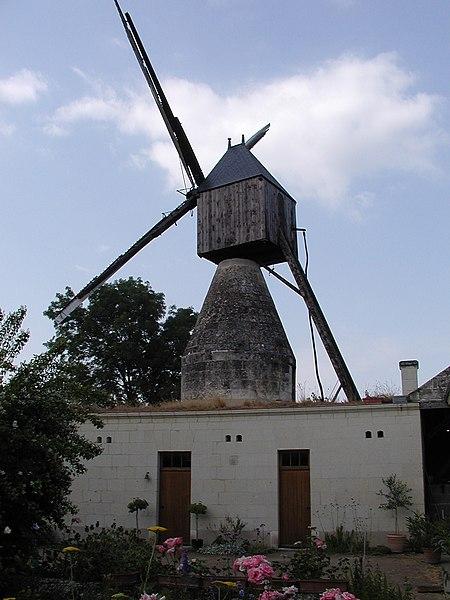 Photo du Monument Historique Moulins à vent situé à Varennes-sur-Loire