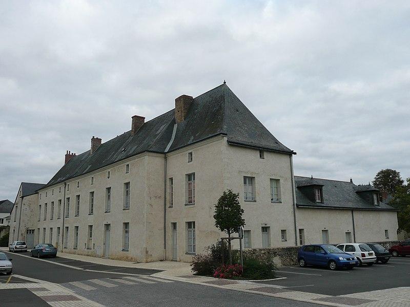Photo du Monument Historique Ancien couvent des Bénédictines situé à Baugé