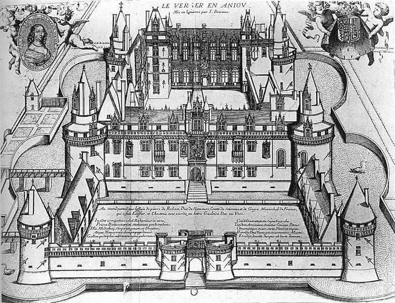 Photo du Monument Historique Ensemble immobilier du château du Verger situé à Seiches-sur-le-Loir