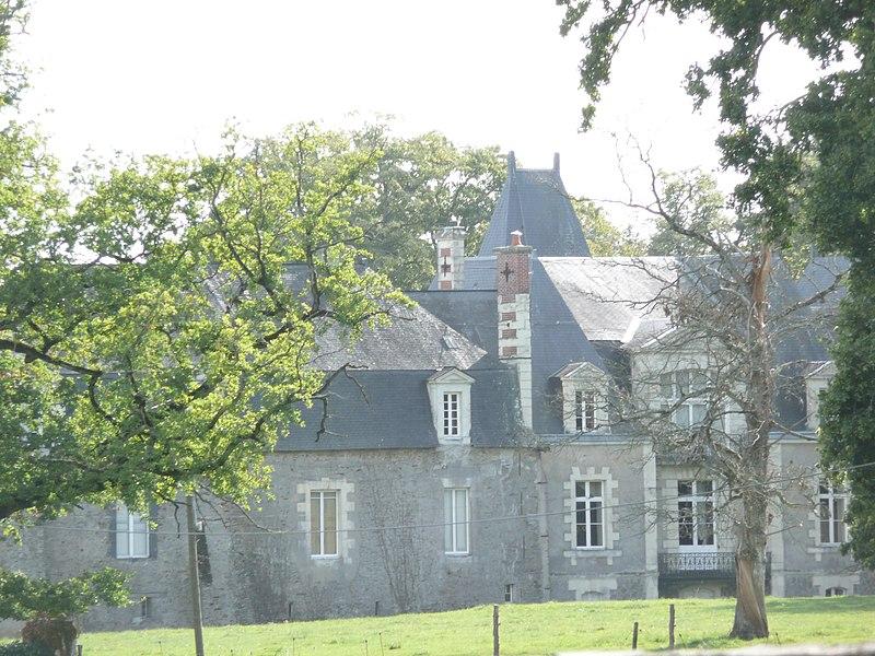 Photo du Monument Historique Propriété du château de La Saulaie situé à Candé