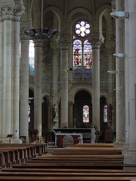 Photo du Monument Historique Eglise Sainte-Croix situé à Rochefort-sur-Loire