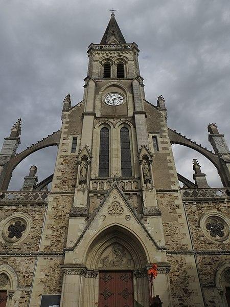Photo du Monument Historique Eglise paroissiale situé à Sainte-Gemmes-d'Andigné