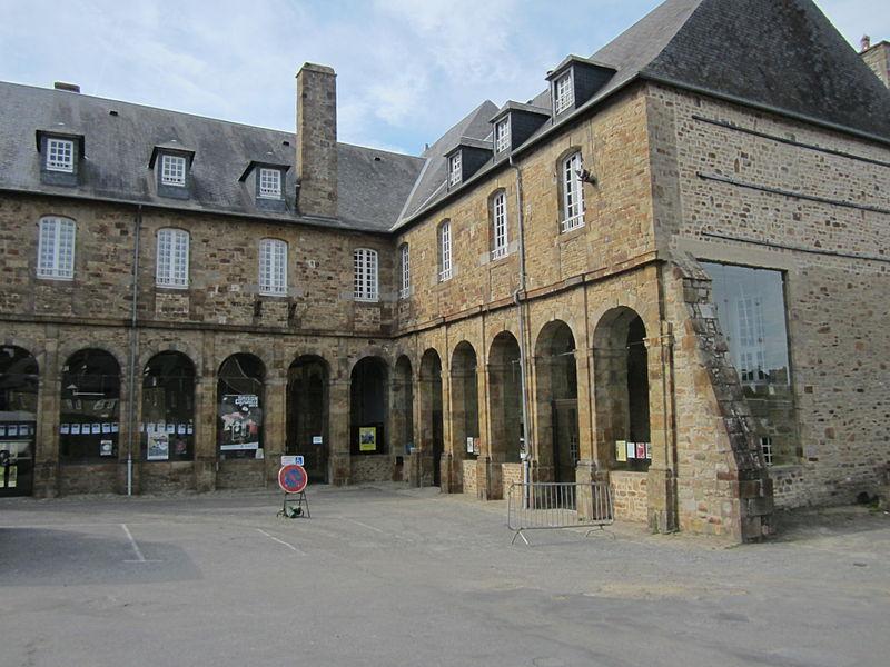 Photo du Monument Historique Ancienne abbaye de Moutons situé à Avranches