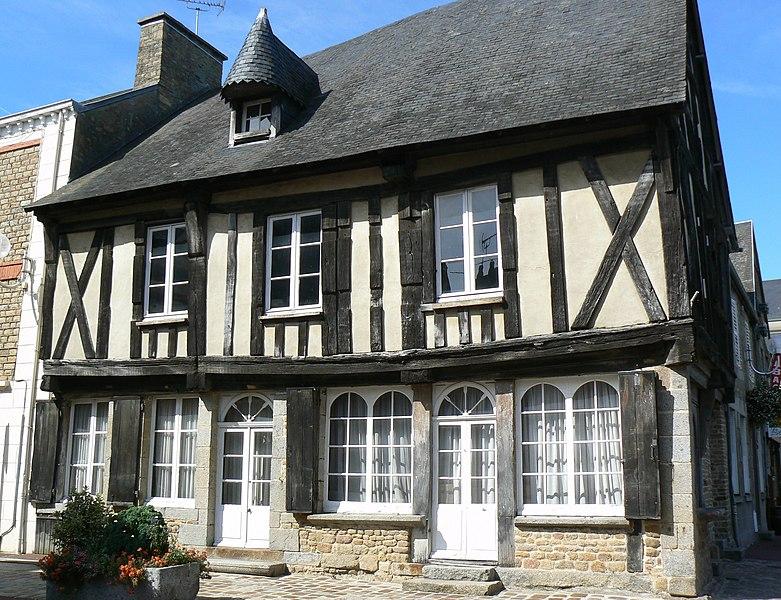 Photo du Monument Historique Maison à pans de bois situé à Avranches