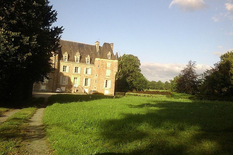 Photo du Monument Historique Château de la Mare situé à Cavigny