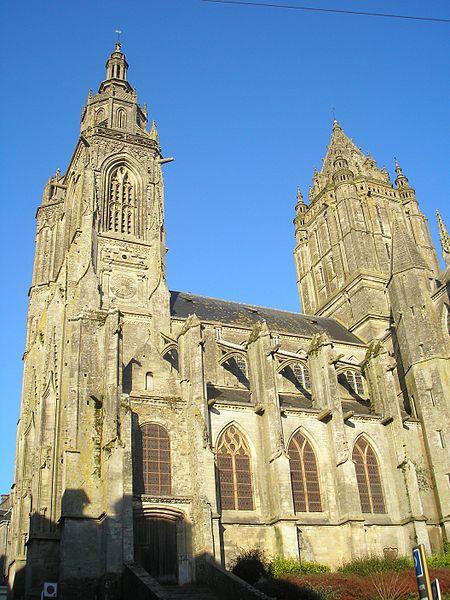 Photo du Monument Historique Eglise Saint-Pierre situé à Coutances