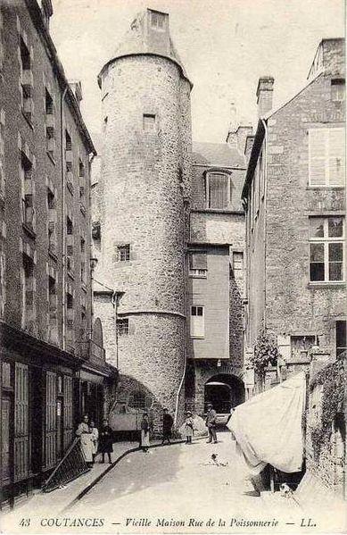Photo du Monument Historique Tour situé à Coutances