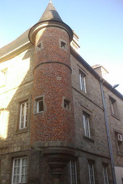 Photo du Monument Historique Tourelle de l'immeuble situé à Coutances