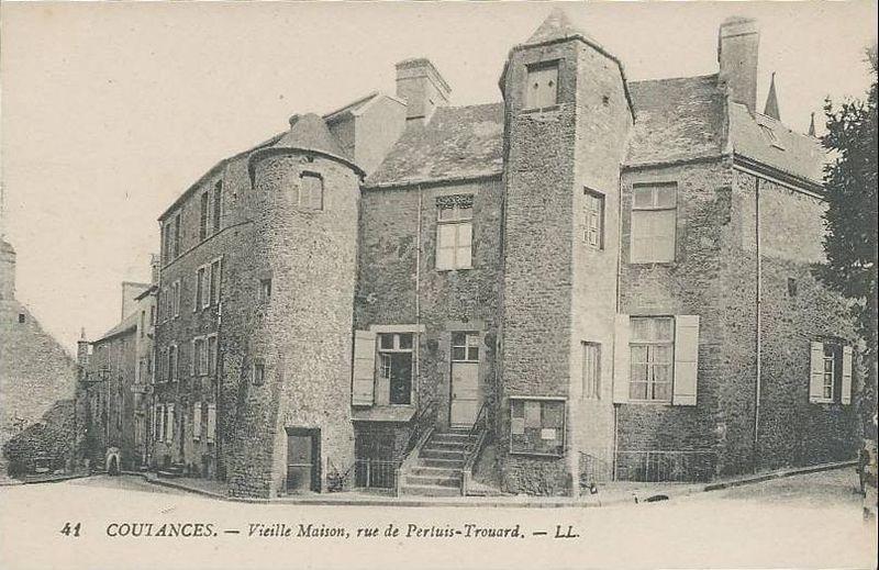 Photo du Monument Historique Tourelle d'escalier situé à Coutances