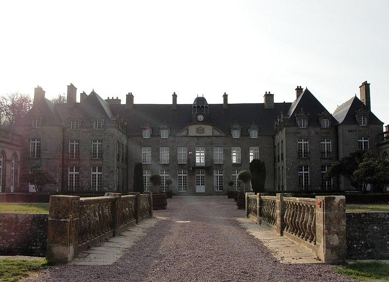 Photo du Monument Historique Château situé à Flamanville