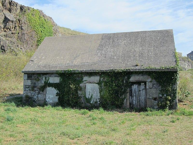Photo du Monument Historique Corps de garde de Saint-Pair situé à Granville