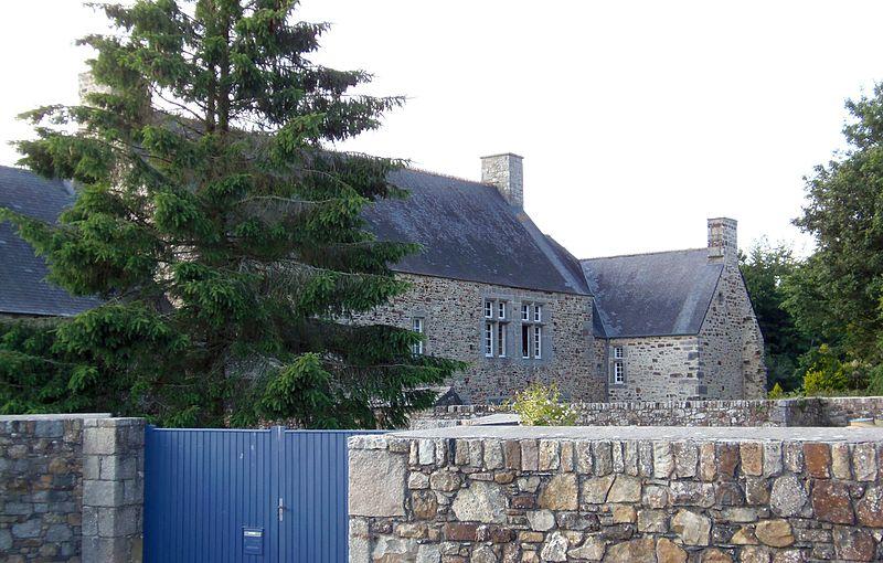 Photo du Monument Historique Manoir de Heauville situé à Héauville