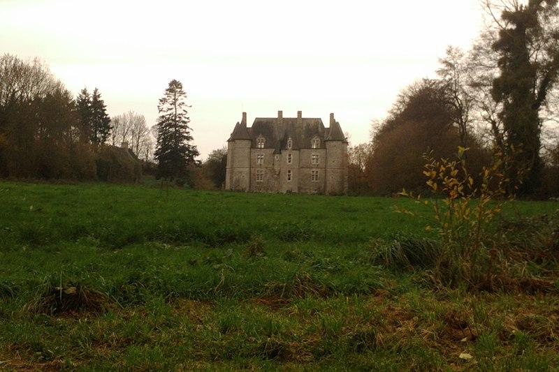 Photo du Monument Historique Château le Castel situé à Hébécrevon