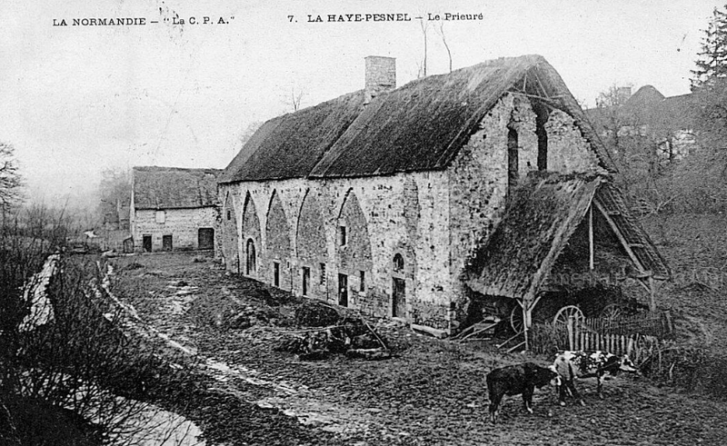 Photo du Monument Historique Ancien prieuré situé à Hocquigny