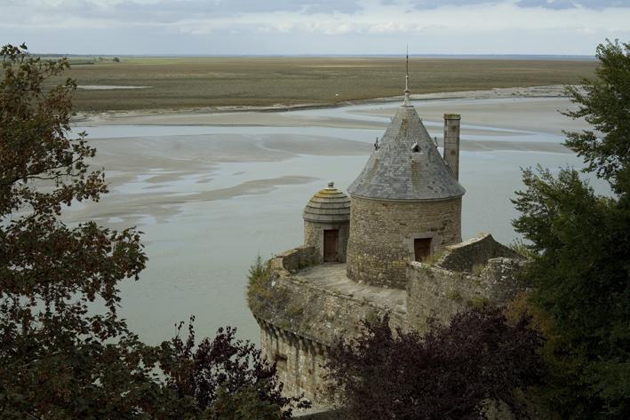 Photo du Monument Historique Enceinte des Fanils situé à Mont-Saint-Michel (Le)