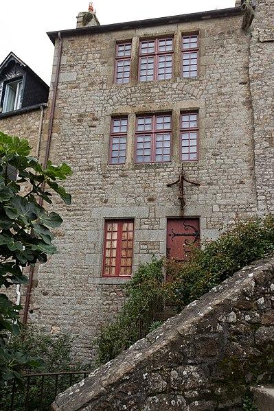 Photo du Monument Historique Vieux logis situé à Mont-Saint-Michel (Le)